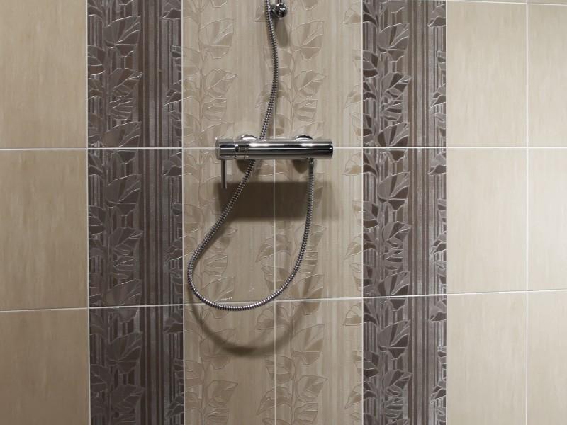 Douches c ramique douches mun for Salle de bain ceramique photo